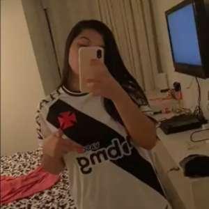 Em post, filha do novo treinador do Vasco celebra: 'E meu pai que será técnico do meu time de coração'