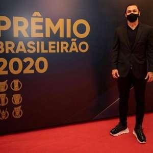 Vina comemora premiação pela grande temporada no Ceará