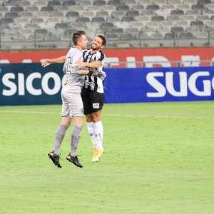 Na despedida de Victor, Atlético-MG vence o URT por 3 a 0