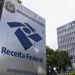 Auxílio emergencial: 'Surpresa e decepção'; com IR, 3 milhões de brasileiros terão que devolver a ajuda recebida do governo