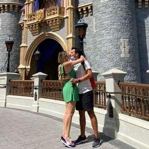 """Dani Calabresa é pedida em casamento: """"chorando de alegria"""""""