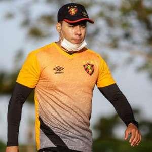 Sport oficializa a renovação do técnico Jair Ventura