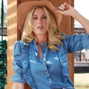 Ana Hickmann, 40 anos, aceita desafio e comenta 40 looks