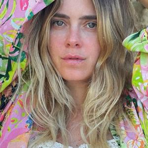 Carolina Dieckmann veste quimono de coleção de Preta Gil