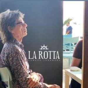 Mick Jagger é flagrado em 'dia de turista' na Itália