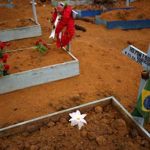 Brasil bate recorde de mortes por covid pelo 2º dia seguido