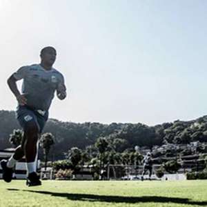 Santos conversa por renovação do contrato de Carlos Sánchez