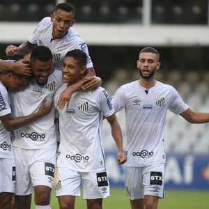 Sabino celebra estreia com gol pelo Santos: 'Emocionado'
