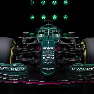 """Dono da Aston Martin se declara à F1 e diz que """"sonhou ..."""