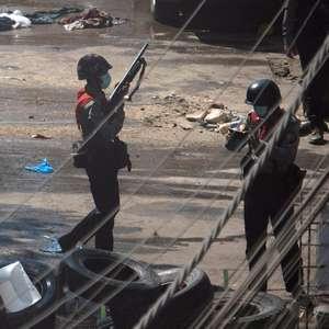 Protestos e repressão crescem em Mianmar; EUA bloqueiam ...
