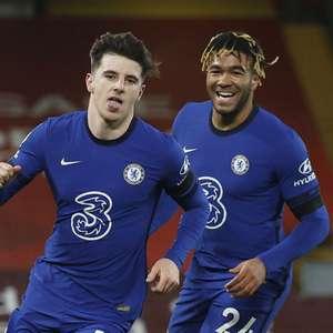 Chelsea vence clássico com Liverpool e entra no G-4