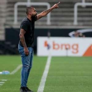 Ex-técnico do Corinthians, Coelho elogia jovens da base: ...