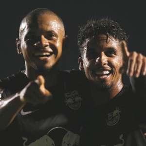 Vitinho marca seus primeiros gols pelo Bragantino
