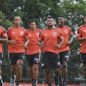 São Paulo treina na Barra Funda de olho no clássico ...