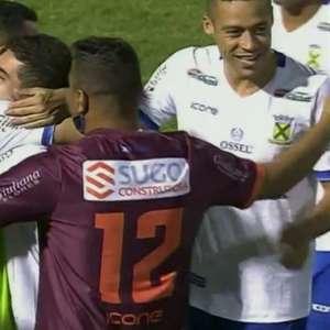 Santo André bate a Ponte Preta em Campinas e vira líder no Grupo A do Paulistão