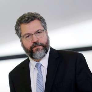 Brasil trabalha com Biden sobre clima e Amazônia, diz Araújo