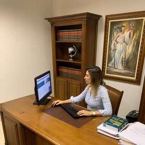 Advogada alerta sobre juros cobrados pelas instituições ...