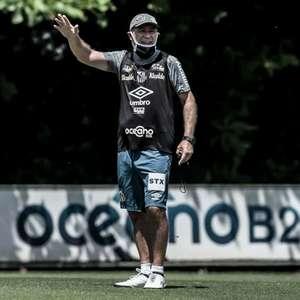Holan aparece no BID e fará estreia contra o São Paulo