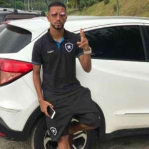 Caio Alexandre, do Botafogo, é assaltado e perde carro: ...