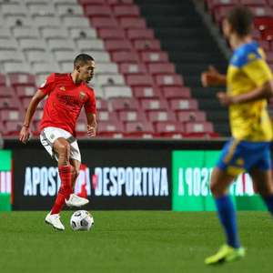 Gilberto comemora classificação do Benfica para final da ...