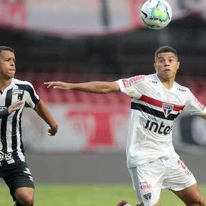 Gabriel Sara comemora goleada do São Paulo no clássico: ...
