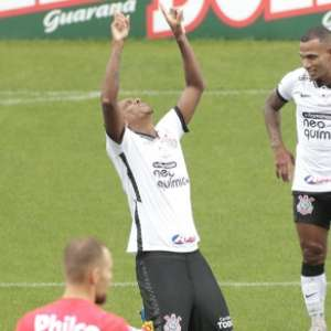 Após voltar a marcar pelo Corinthians, Jô destaca: ...