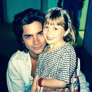 John Stamos revela foto de Elizabeth Olsen criança em ...