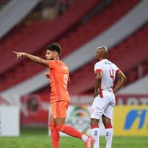 Yuri Alberto vibra com primeiro gol na temporada