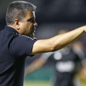 Vasco vence o Bangu e se aproxima do G-4 do Carioca