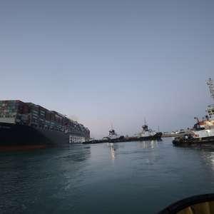 Após 5 dias, termina congestionamento no Canal de Suez