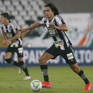 Chamusca explica 'ausência' de Matheus Nascimento no Botafogo: 'Calma no processo de maturação'