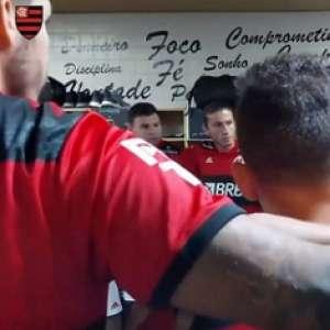 'É o bicampeão brasileiro em campo!': Arão e Diego inflamam vestiário do Flamengo antes de estreia; assista