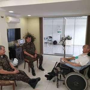 Após crise, Exército publica foto de encontro entre novo comandante com Pujol e Villas Bôas