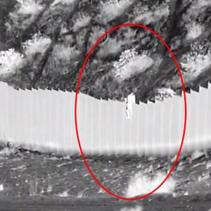 Traficante atira duas crianças de muro na fronteira dos EUA