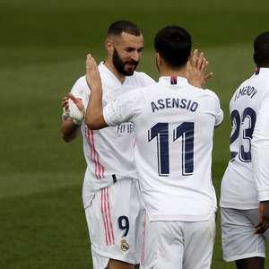 Real vence Eibar e coloca pressão em Atlético e Barcelona