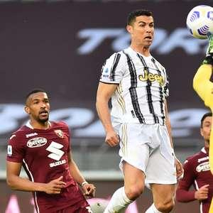 Com gol de CR7, Juventus e Torino empatam em clássico
