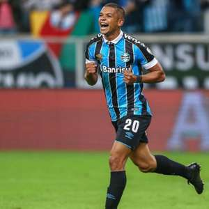 Altos e baixos, experiência e bola aérea: o que esperar de David Braz no Fluminense