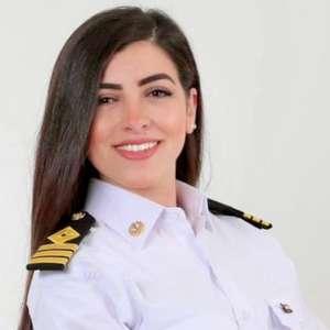 'Fui falsamente acusada por bloqueio do Canal de Suez': Marwa Elselehdar, a primeira mulher capitã de navio do Egito