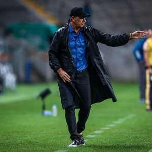 Renato Portaluppi analisa desempenho do Grêmio em clássico