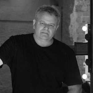 Fotógrafo de moda e famosos, Máximo Jr. morre de covid-19