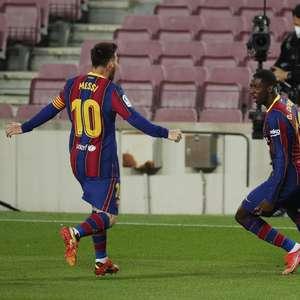 Barcelona bate Valladolid com gol no fim e cola na liderança