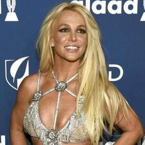"""""""Sou eu quem escrevo nas redes sociais"""", diz Britney Spears"""