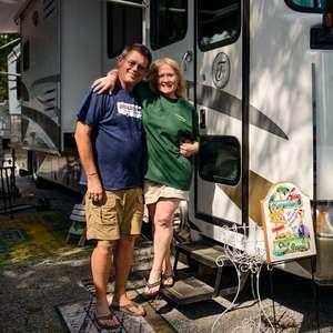 'Nomadland': como é a vida de milhares de pessoas que vivem e viajam em trailers nos EUA