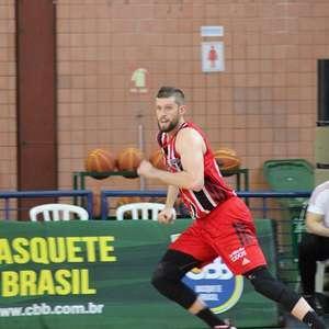 Renan Lenz brilha em vitória do São Paulo sobre Campo Mourão