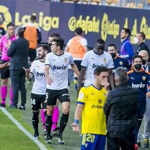 Valencia critica declarações de Cala, zagueiro do Cádiz ...