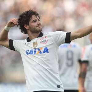 """Pato sobre voltar ao Corinthians: """"Não dependeria de mim"""""""