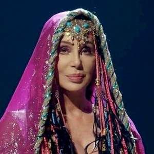 Cher pede desculpas por tweet sobre George Floyd