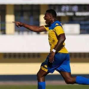 Ex-Fluminense, Lucas Ribeiro, o 'Macula', conquista o ...