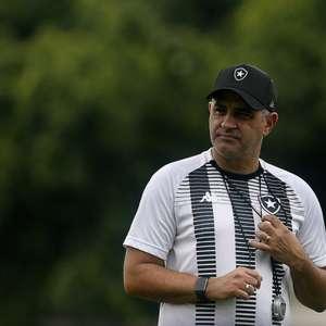 Semanas livres para Chamusca e confronto decisivo da Copa do Brasil: o abril do Botafogo