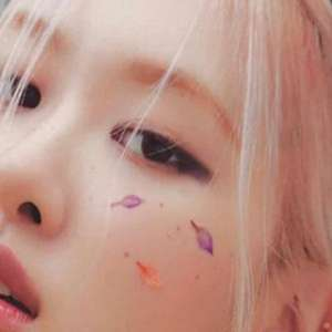 """Rosé, do BLACKPINK, lança o novo lipe de """"Gone"""""""